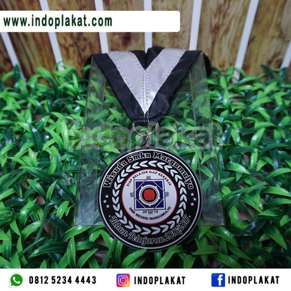 Jasa-Pembuatan-Medali-Wisuda-Smp-Surabaya