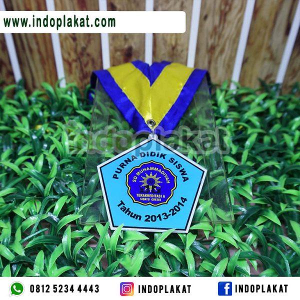 Medali-Wisuda-SD-Surabaya