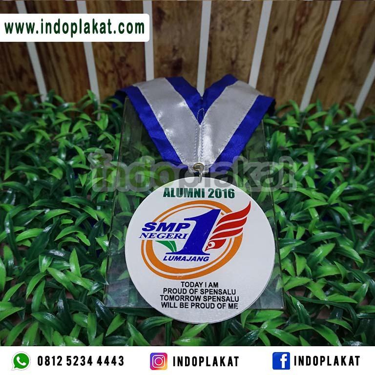 Tempat Bikin Medali Kelulusan di Lumajang