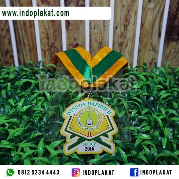 Pusat-Jual-Medali-Wisuda-Akrilik-Murah-untuk-Hafidz-TPA-TPQ