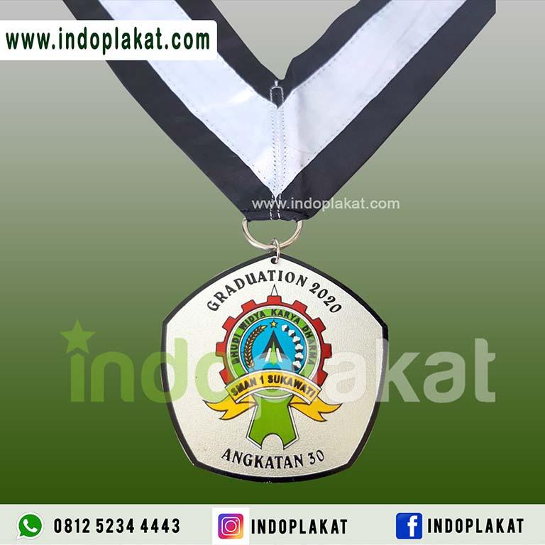 Pusat Jual Medali Wisuda Bahan Aluminium Medali Anodes Medali Kelulusan Murah Surtabaya Malang Gresik Mojokerto