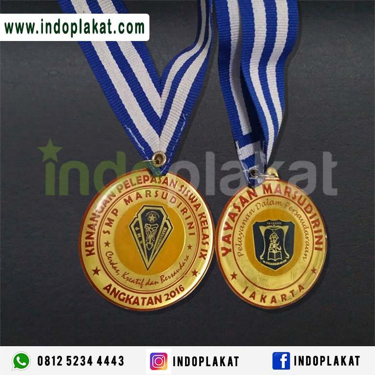 Jual Medali Wisuda Kuningan Murah Di Jakarta Tangerang Bandung Bogor Banten Samarinda Medali Wisuda SMP SMA SMK Mahasiswa