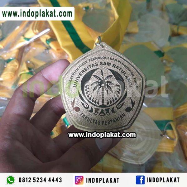 Jual Medali Wisuda Mataram Kupang NTT NTB Bali Denpasar Lombok Kuningan Logam