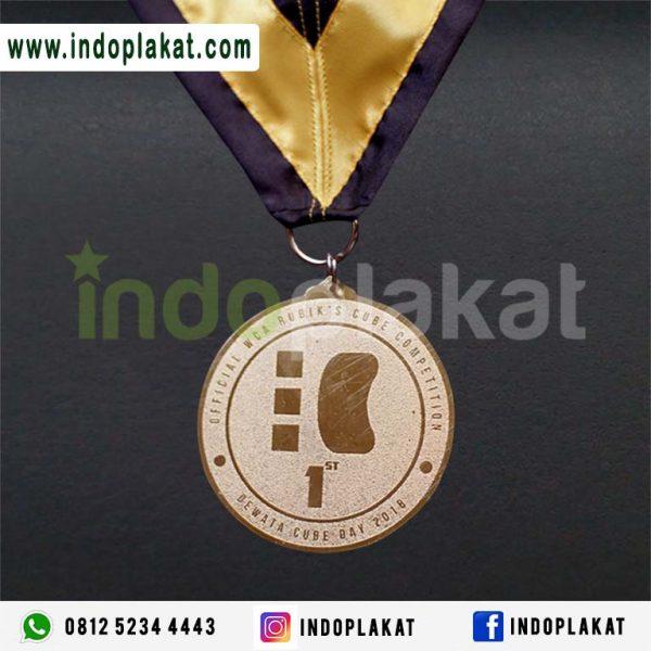 Medali Crome Medali Perak Medali Eksklusif Duplikat Medali Toko Medal Online Indonesia Toko Medali di Surabaya Medali Malang Medali di Gersik Medali Jakarta Medali Fun Run Malang Medali Run