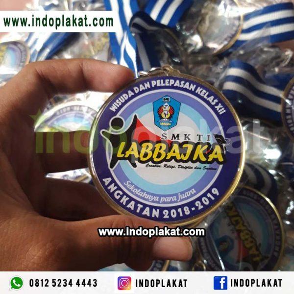 Medali Kuningan Resin Lycal Untuk Wisuda Lomba Event Murah