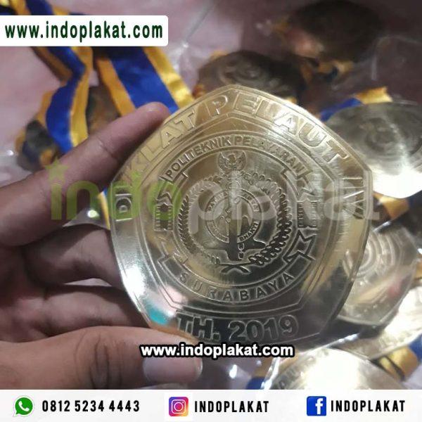 Medali Wisuda Kuningan Universitas Politeknik Sekolah Tinggi Institusi Murah