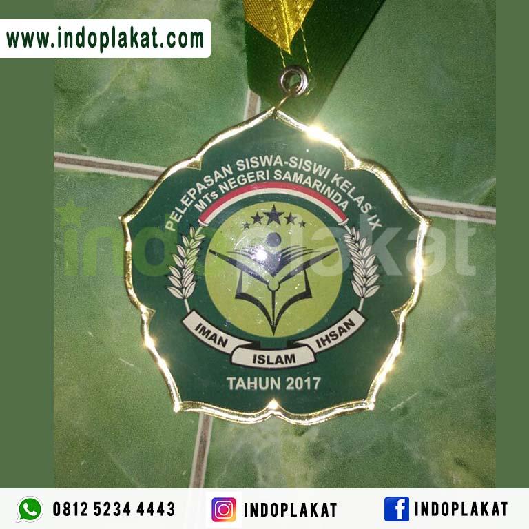 Medali Wisuda Madrasah TPA TPQ MTS Murah Bahan Kuningan Logam