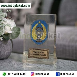 Plakat Kado Hadiah Kenang Kenangan Walikota Pemerintahan Gubernur DPRD MPR Fiberglass